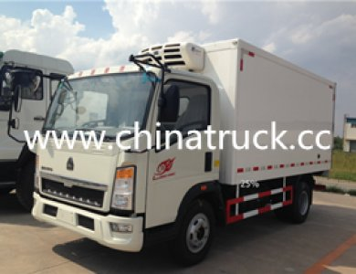 Sinotruk CNHTC 4X2 5T Refrigerator Truck Freezer Trucks for sale