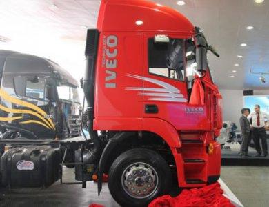 Iveco Genlyon Tractor Head 6x4 290hp
