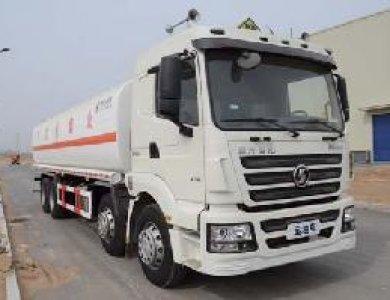 SHACMAN F3000 8x4 25000L Sprinkler Water Tank Truck