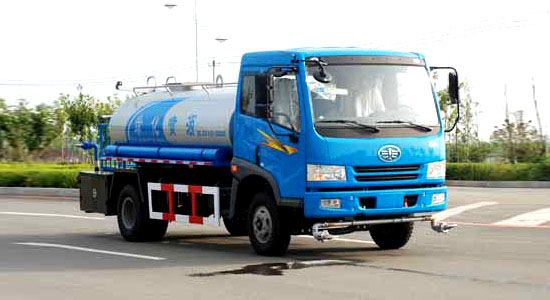 FAW water tank truck