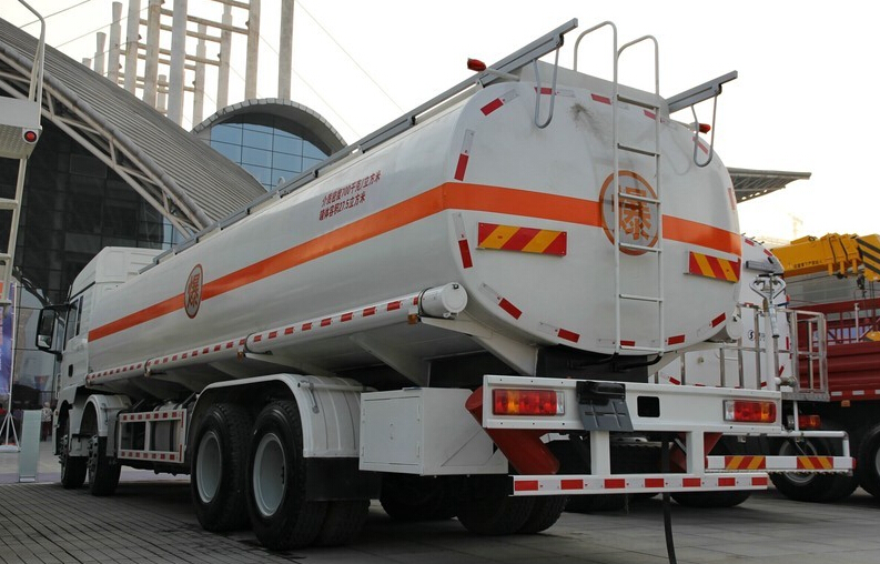 Shacman F2000 25000 liter fuel tanker truck for hot sale