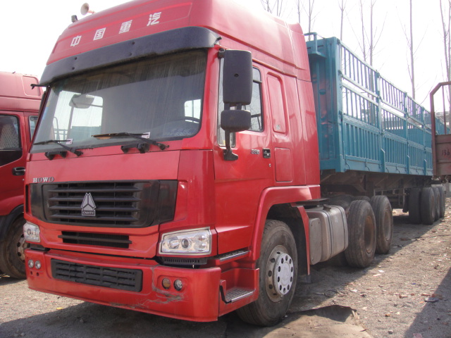 Sinotruk 420hp Tractor Truck 80T 100T Tractor Heads